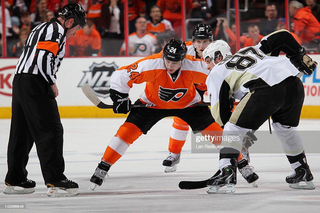 Matt Read #24 of the Philadelphia Flyers readies to face-off against Sidney Crosby #87 of the Pittsburgh Penguins in Game Six of the Eastern Conference Quarterfinals during the 2012 NHL Stanley Cup Playoffs on April 22, 2012 at the Wells Fargo Center in Philadelphia, Pennsylvania.