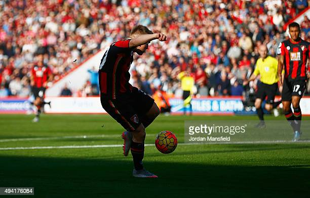 Matt Ritchie of Bournemouth scores his team's first goal during the Barclays Premier League match between AFC Bournemouth and Tottenham Hotspur at...
