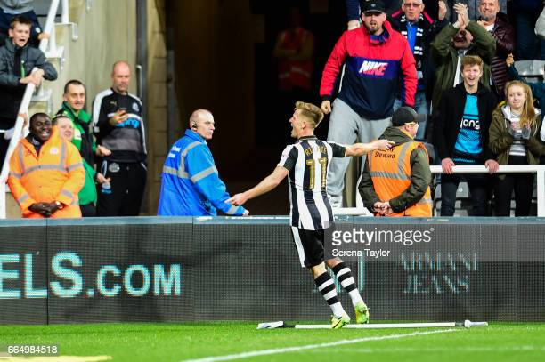 Matt Ritchie of Newcastle United celebrates after scoring the opening goal during the Sky Bet Championship Match between Newcastle United and Burton...