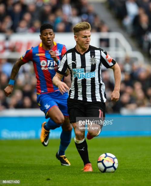 Matt Ritchie of Newcastle United runs with the ball during the Premier League match between Newcastle United and Crystal Palace at StJames' Park on...
