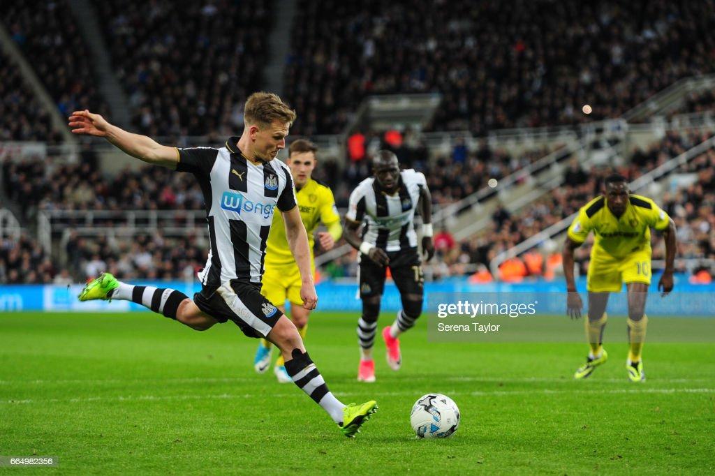 Newcastle United v Burton Albion - Sky Bet Championship