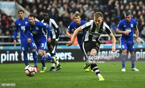 Matt Ritchie of Newcastle United scores his sides first goal during The Emirates FA Cup Third Round Replay match between Newcastle United and...