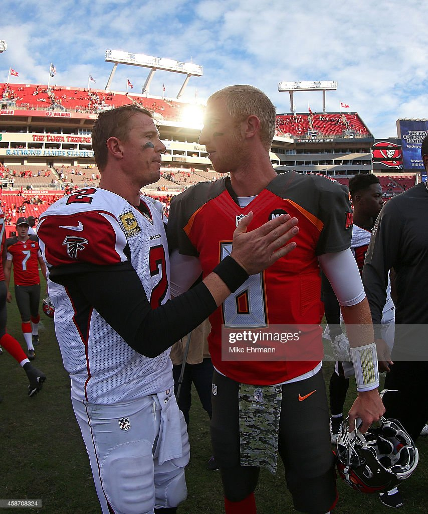 <a gi-track='captionPersonalityLinkClicked' href=/galleries/search?phrase=Matt+Ryan+-+American+footballer&family=editorial&specificpeople=4951318 ng-click='$event.stopPropagation()'>Matt Ryan</a> #2 of the Atlanta Falcons and <a gi-track='captionPersonalityLinkClicked' href=/galleries/search?phrase=Mike+Glennon+-+American+football-speler&family=editorial&specificpeople=11404080 ng-click='$event.stopPropagation()'>Mike Glennon</a> #8 of the Tampa Bay Buccaneers shake hands following a game at Raymond James Stadium on November 9, 2014 in Tampa, Florida.