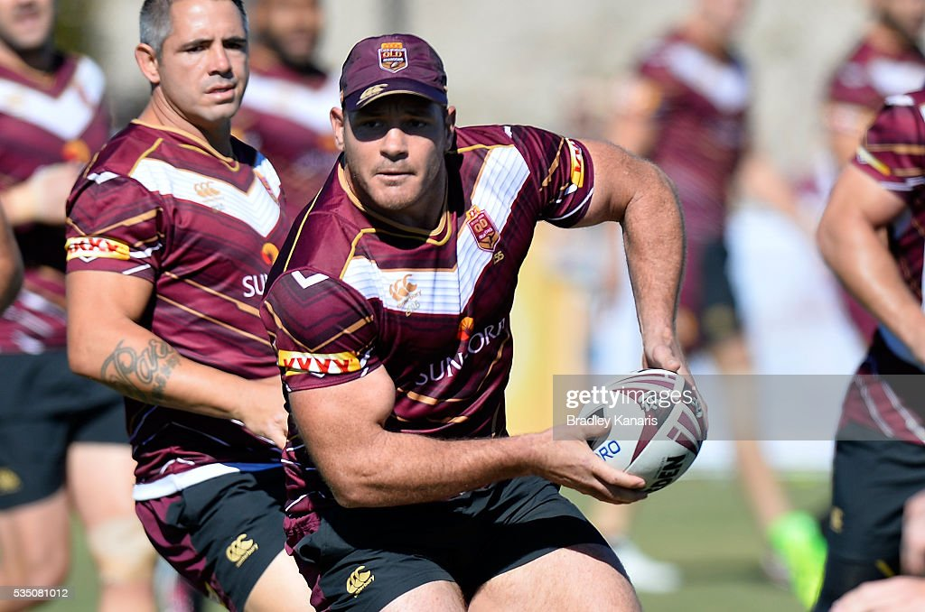 Matt Scott looks to pass during a Queensland Maroons State of Origin training session on May 29, 2016 in Gold Coast, Australia.