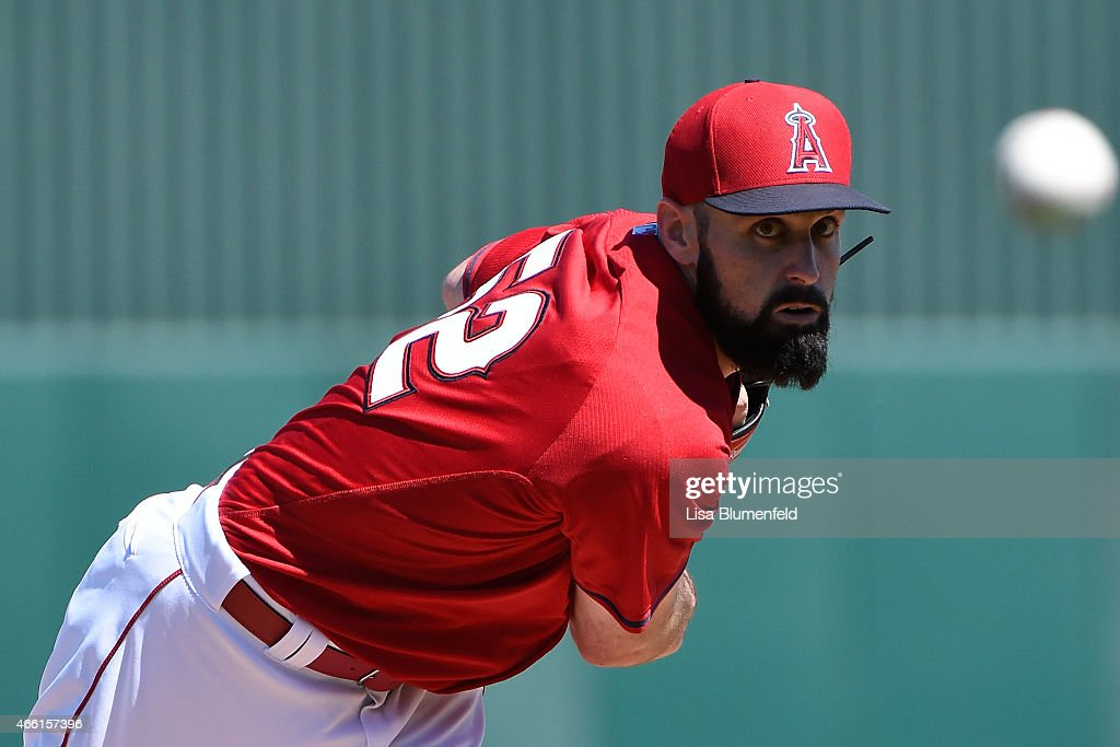 Matt Shoemaker #52 of the Los Angeles Angels of Anaheim pitches against the San Diego Padres at Tempe Diablo Stadium on March 13, 2015 in Tempe, Arizona.