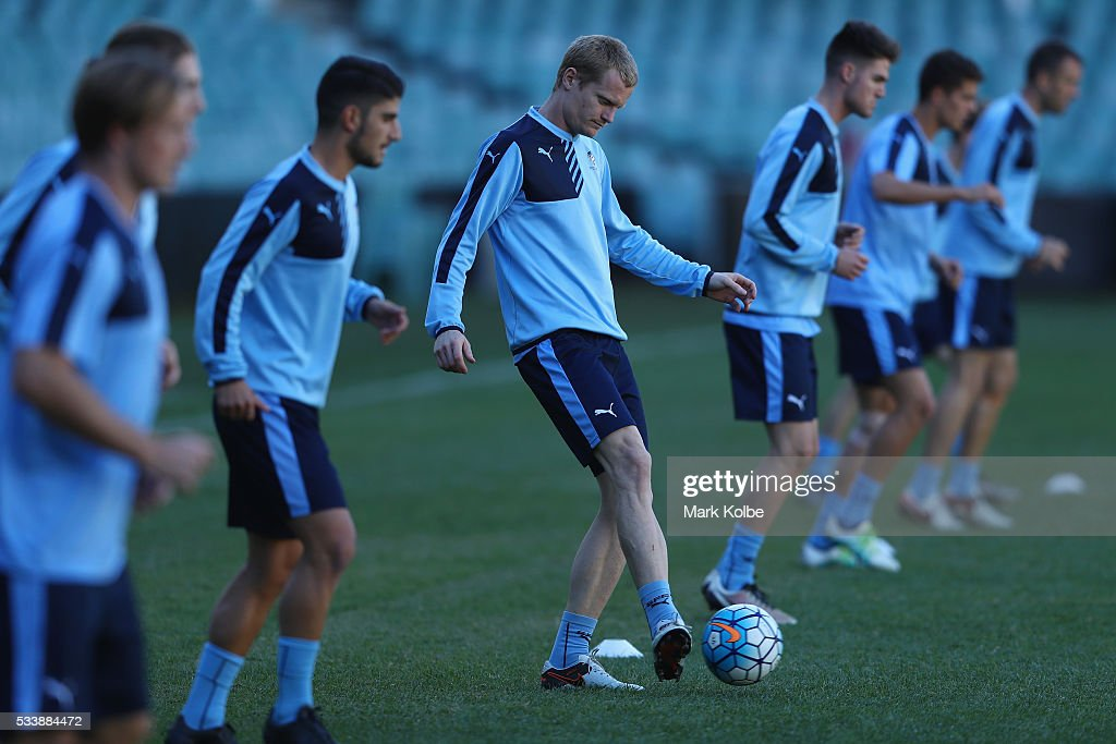 Matt Simon kicks during a Sydney FC training session at Allianz Stadium on May 24, 2016 in Sydney, Australia.