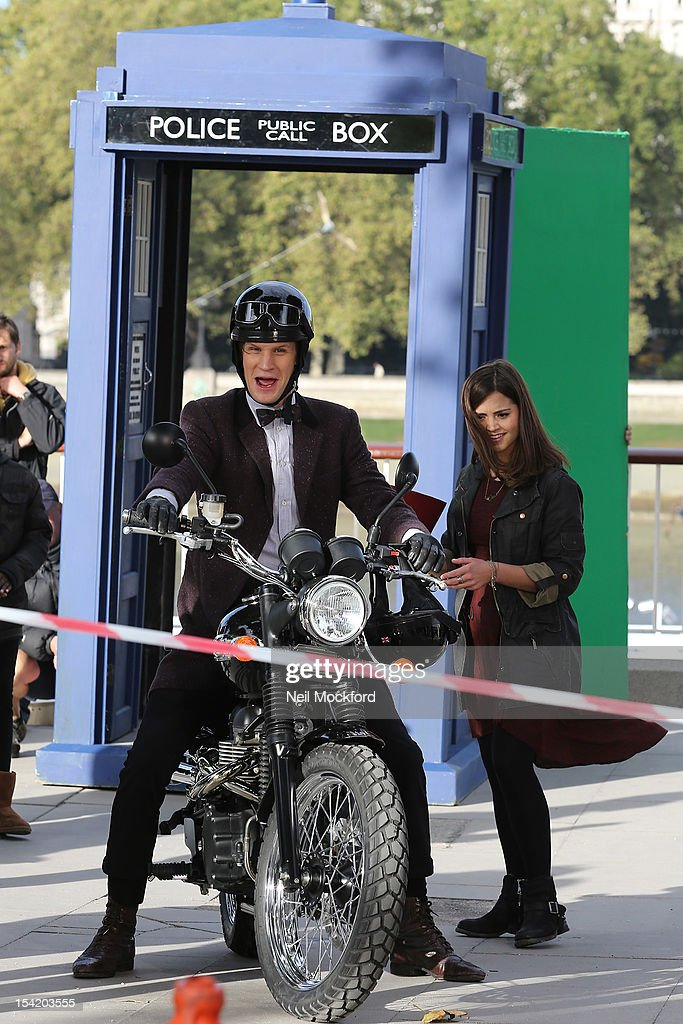 <a gi-track='captionPersonalityLinkClicked' href=/galleries/search?phrase=Matt+Smith+-+Actor&family=editorial&specificpeople=6877373 ng-click='$event.stopPropagation()'>Matt Smith</a> and <a gi-track='captionPersonalityLinkClicked' href=/galleries/search?phrase=Jenna-Louise+Coleman&family=editorial&specificpeople=2234221 ng-click='$event.stopPropagation()'>Jenna-Louise Coleman</a> seen filming 'Dr Who' on London's Southbank on October 16, 2012 in London, England.