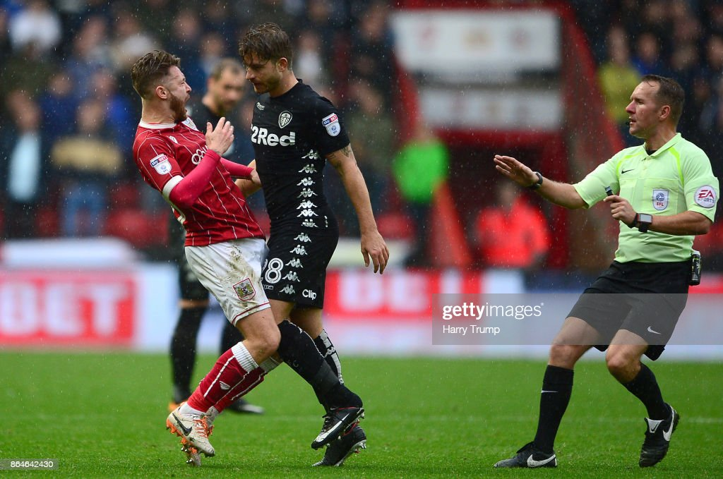 Matt Taylor of Bristol City (L) and Gaetano Berardi of Leeds United clash resulting in red cards for both during the Sky Bet Championship match between Bristol City and Leeds United at Ashton Gate on October 21, 2017 in Bristol, England.