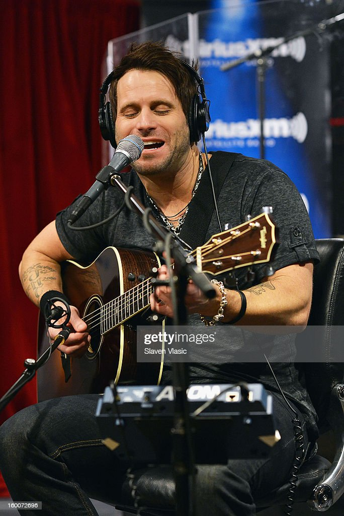 Matt Thomas of Country rock band 'Parmalee' performs at SiriusXM Studios on January 25, 2013 in New York City.