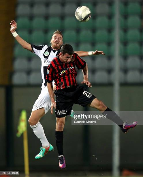 Matteo Brumat of Robur Siena battles for the ball with Gianluca Barba of Pro Piacenza during the Serie A match between Robur Siena and Pro Piacenza...
