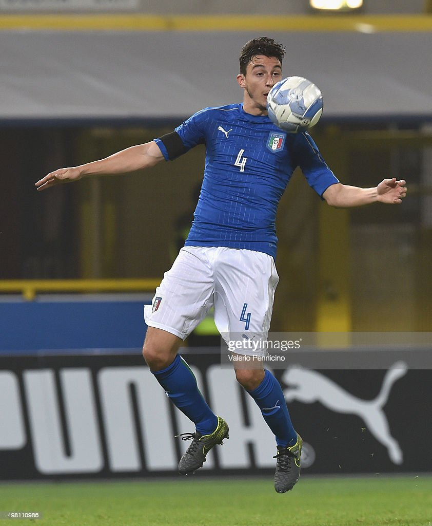 <a gi-track='captionPersonalityLinkClicked' href=/galleries/search?phrase=Matteo+Darmian&family=editorial&specificpeople=7096006 ng-click='$event.stopPropagation()'>Matteo Darmian</a> of Italy in action during the international friendly match between Italy and Romania at Stadio Renato Dall'Ara on November 17, 2015 in Bologna, Italy.