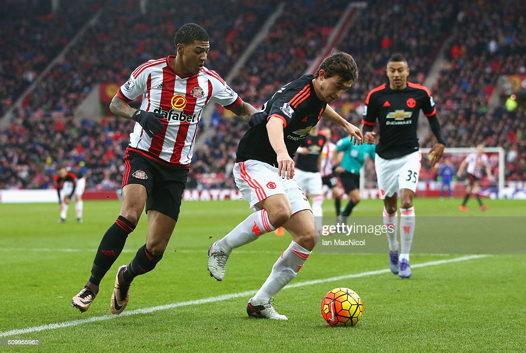 <a gi-track='captionPersonalityLinkClicked' href=/galleries/search?phrase=Matteo+Darmian&family=editorial&specificpeople=7096006 ng-click='$event.stopPropagation()'>Matteo Darmian</a> of Manchester United controls the ball under pressure of <a gi-track='captionPersonalityLinkClicked' href=/galleries/search?phrase=Patrick+van+Aanholt&family=editorial&specificpeople=3542425 ng-click='$event.stopPropagation()'>Patrick van Aanholt</a> of Sunderland during the Barclays Premier League match between Sunderland and Manchester United at the Stadium of Light on February 13, 2016 in Sunderland, England.