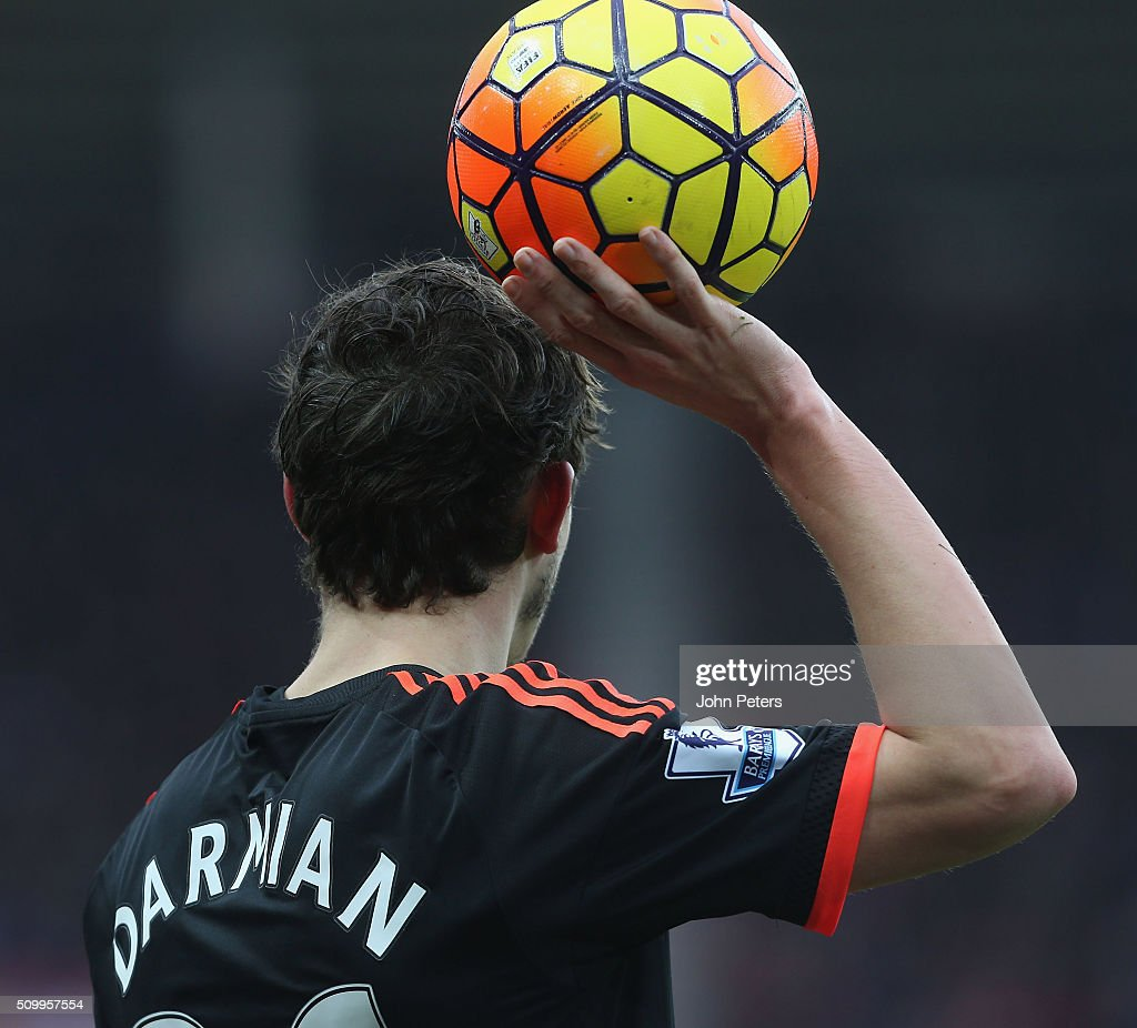 <a gi-track='captionPersonalityLinkClicked' href=/galleries/search?phrase=Matteo+Darmian&family=editorial&specificpeople=7096006 ng-click='$event.stopPropagation()'>Matteo Darmian</a> of Manchester United in action during the Barclays Premier League match between Sunderland and Manchester United at Stadium of Light on February 13, 2016 in Sunderland, England.
