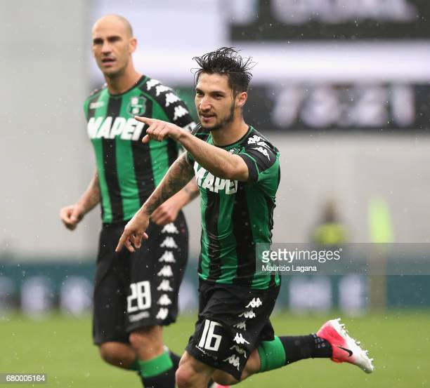 Matteo Politano of Sassuolo celebrates his team's second goal during the Serie A match between US Sassuolo and ACF Fiorentina at Mapei Stadium Citta'...