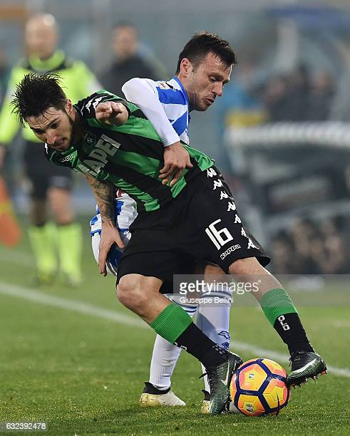 Matteo Politano of US Sassuolo and Ledian Memushaj of Pescara Calcio in action during the Serie A match between Pescara Calcio and US Sassuolo at...