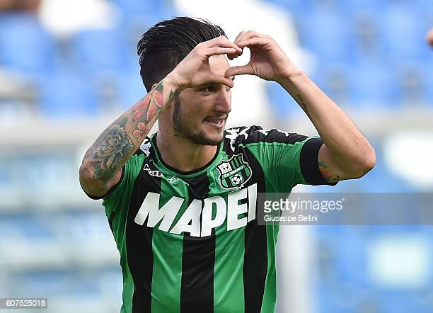 Matteo Politano of US Sassuolo celebrates after scoring the opening goal during the Serie A match between US Sassuolo and Genoa CFC at Mapei Stadium...