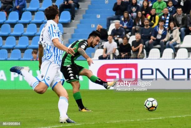 Matteo Politano of US Sassuolo scores the opening goal during the Serie A match betweenSpal and US Sassuolo at Stadio Paolo Mazza on October 22 2017...