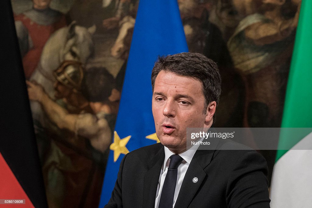 Matteo Renzi, Italy's prime minister, speaks during a joint news conference with Angela Merkel, Germany's chancellor, at Chigi Palace in Rome, Italy, on Thursday, May 5, 2016. Merkel and Renzi insisted that the European Union's deal with Turkey on migrants must be implemented despite the imminent departure of the country's premier.