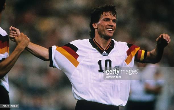 Matthaeus Lothar * Fussballspieler D Spieler der Nationalelf von 19802000 Weltmeister 1990 Halbportrait im Nationaltrikot 1993