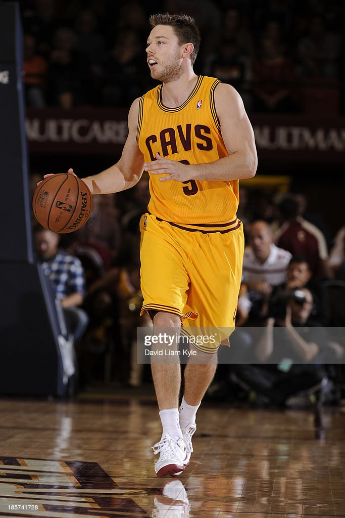 <a gi-track='captionPersonalityLinkClicked' href=/galleries/search?phrase=Matthew+Dellavedova&family=editorial&specificpeople=5948739 ng-click='$event.stopPropagation()'>Matthew Dellavedova</a> #9 of the Cleveland Cavaliers brings the ball up court against the Charlotte Bobcats at the Canton Memorial Civic Center on October 15, 2013 in Canton, Ohio.