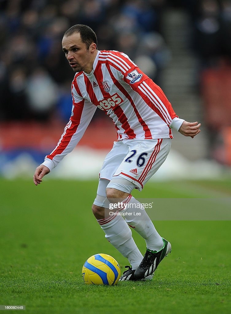 <a gi-track='captionPersonalityLinkClicked' href=/galleries/search?phrase=Matthew+Etherington&family=editorial&specificpeople=221361 ng-click='$event.stopPropagation()'>Matthew Etherington</a> of Stoke City during the FA Cup Fourth Round match between Stoke City and Manchester City at Britannia Stadium on January 26, 2013 in Stoke on Trent, England.
