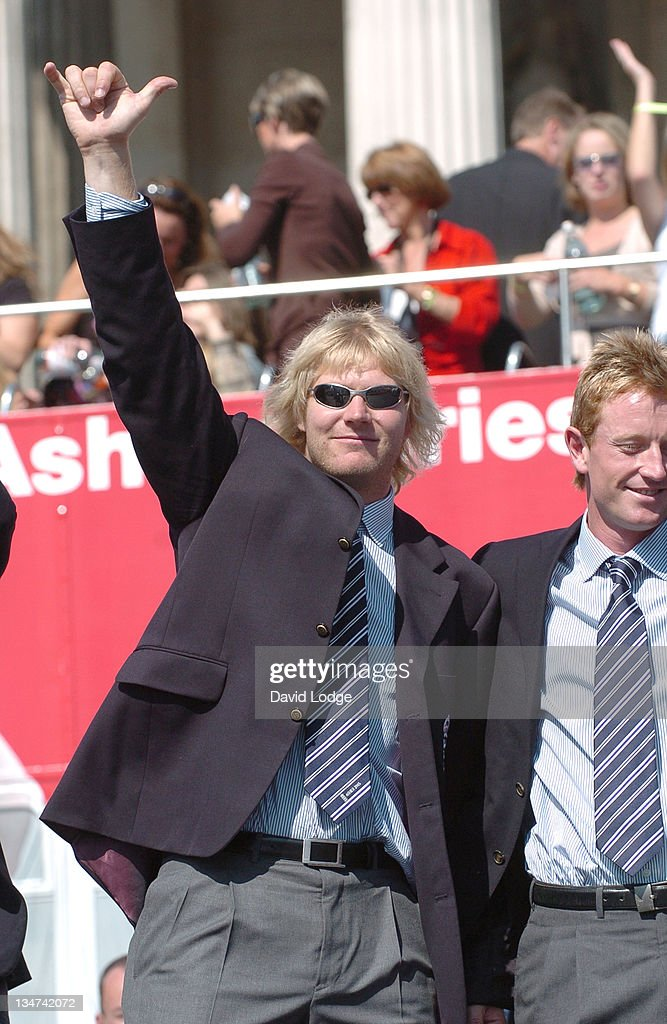 <a gi-track='captionPersonalityLinkClicked' href=/galleries/search?phrase=Matthew+Hoggard&family=editorial&specificpeople=193834 ng-click='$event.stopPropagation()'>Matthew Hoggard</a> and <a gi-track='captionPersonalityLinkClicked' href=/galleries/search?phrase=Paul+Collingwood&family=editorial&specificpeople=204191 ng-click='$event.stopPropagation()'>Paul Collingwood</a> during The England Cricket Team's Ashes Winning Celebrations - Trafalgar Square Party at Trafalgar Square in London, Great Britain.