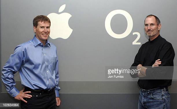 Matthew Key Chief Executive O2 UK and Steve Jobs Apple CEO at the launch of the exclusive iPhone on O2 at the Apple store on September 18 2007...