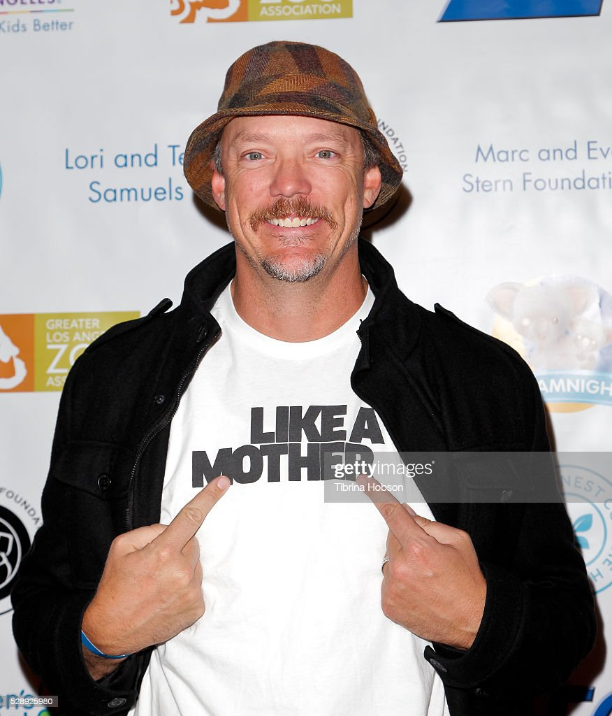 Matthew Lillard attends Dreamnight at The Los Angeles Zoo at Los Angeles Zoo on May 6, 2016 in Los Angeles, California.