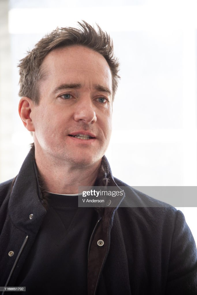 Les séances de photographie - Page 5 Matthew-macfadyen-at-the-succession-set-visit-on-april-02-2019-in-new-picture-id1168651702
