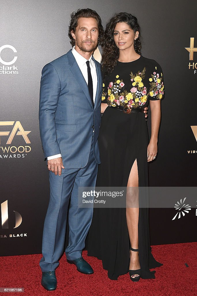 matthew-mcconaughey-and-camila-alves-attend-the-20th-annual-hollywood-picture-id621567198