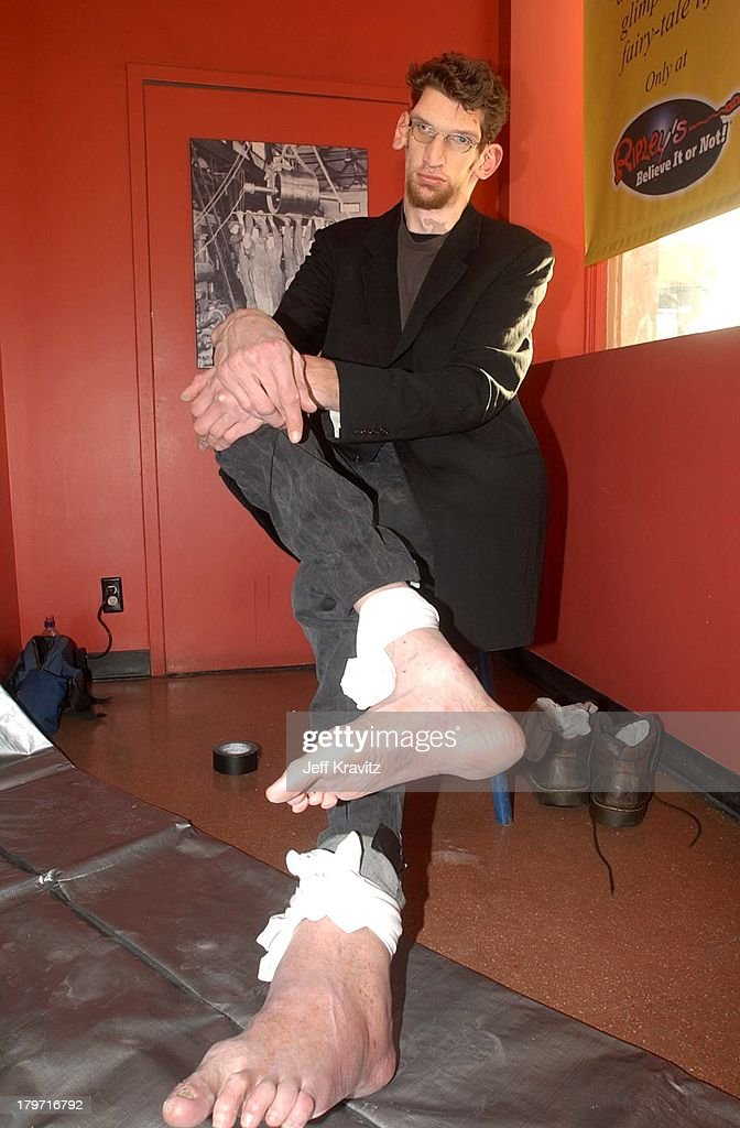 matthew mcgrory during ripleys big foot picture id179716792