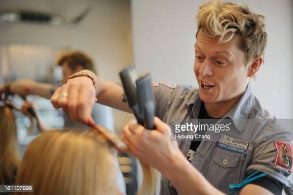 Shear genius foto e immagini stock getty images for 3rd avenue salon denver