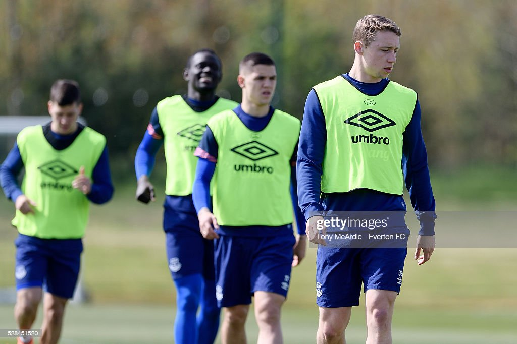 Matthew Pennington (R) Muhamed Besic and team mates during the Everton training session at Finch Farm on May 5, 2016 in Halewood, England.