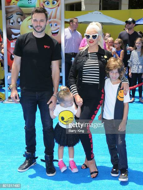 Matthew Rutler Summer Rain Rutler Singer Christina Aguilera and Max Liron Bratman attend the premiere of Columbia Pictures and Sony Pictures 'The...