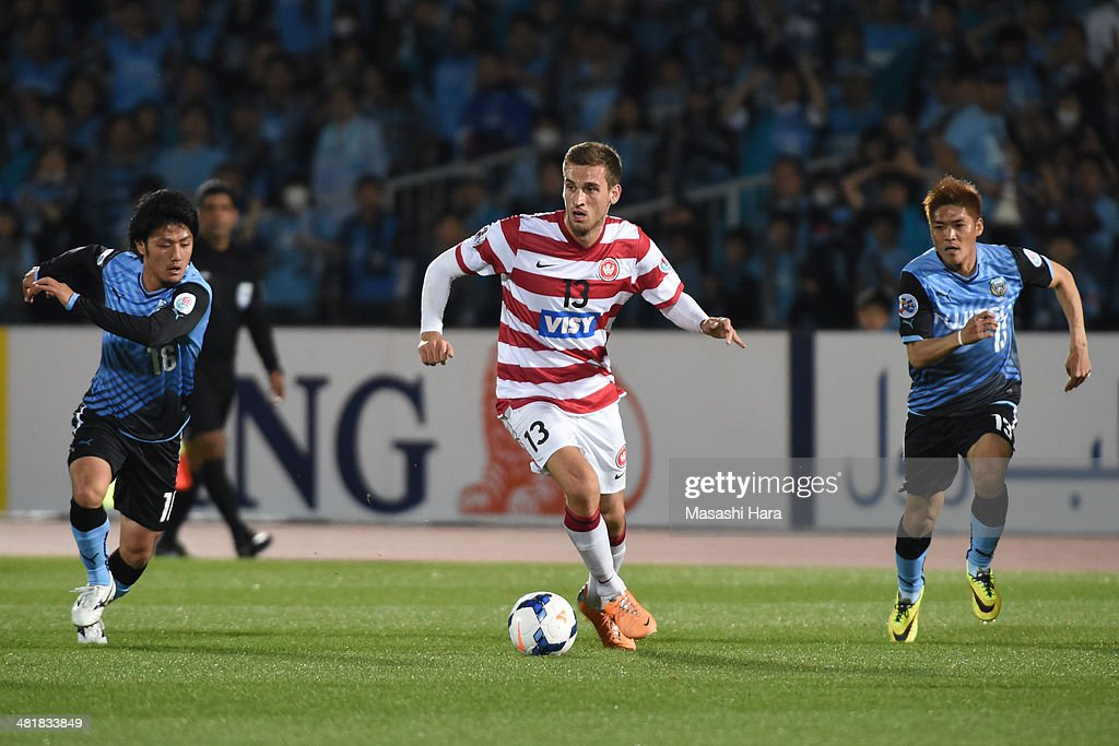 Matthew Spiranovic #13 of Western Sydney Wanderers in action during the AFC Champions League Group H match between Kawasaki Frontale and Western Sydney Wanderers at Todoroki Stadium on April 1, 2014 in Kawasaki, Japan.