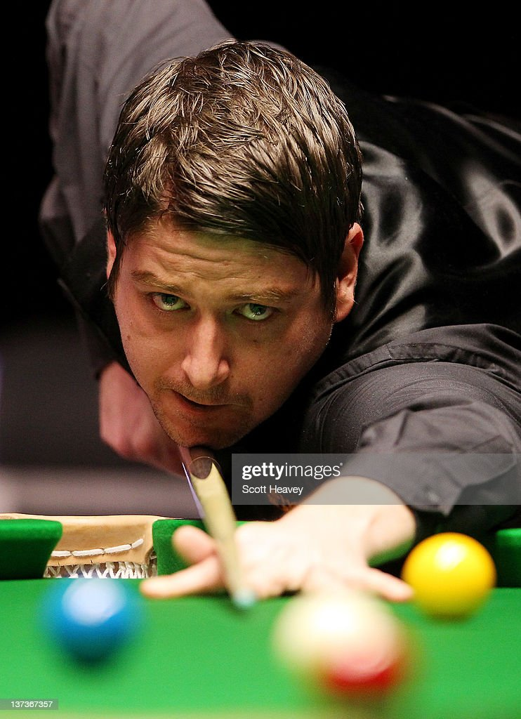 <a gi-track='captionPersonalityLinkClicked' href=/galleries/search?phrase=Matthew+Stevens&family=editorial&specificpeople=208890 ng-click='$event.stopPropagation()'>Matthew Stevens</a> in action during his match with John Higgins during day three of the The Masters at Alexandra Palace on January 17, 2012 in London, England.