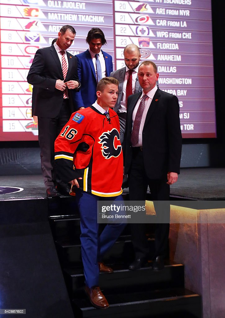 <a gi-track='captionPersonalityLinkClicked' href=/galleries/search?phrase=Matthew+Tkachuk&family=editorial&specificpeople=13659920 ng-click='$event.stopPropagation()'>Matthew Tkachuk</a> celebrates with the Calgary Flames after being selected sixth overall during round one of the 2016 NHL Draft on June 24, 2016 in Buffalo, New York.