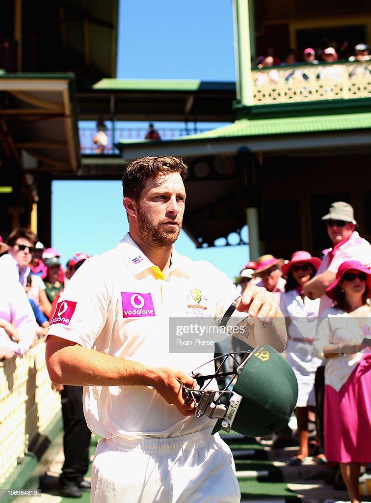 Matthew Wade of Australia prepares to bat during day three of the Third Test match between Australia and Sri Lanka at Sydney Cricket Ground on January 5, 2013 in Sydney, Australia.