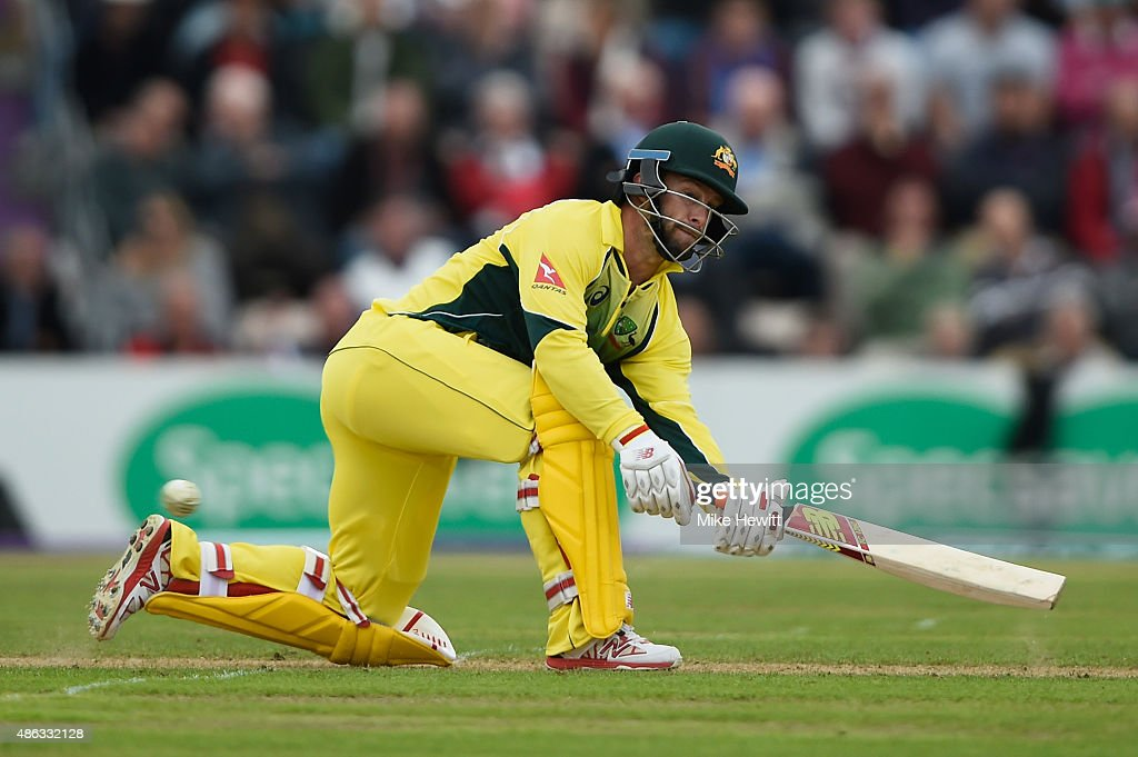 <a gi-track='captionPersonalityLinkClicked' href=/galleries/search?phrase=Matthew+Wade&family=editorial&specificpeople=724041 ng-click='$event.stopPropagation()'>Matthew Wade</a> of Australia sweeps for four during the 1st Royal London One-Day International match between England and Australia at Ageas Bowl on September 3, 2015 in Southampton, United Kingdom.