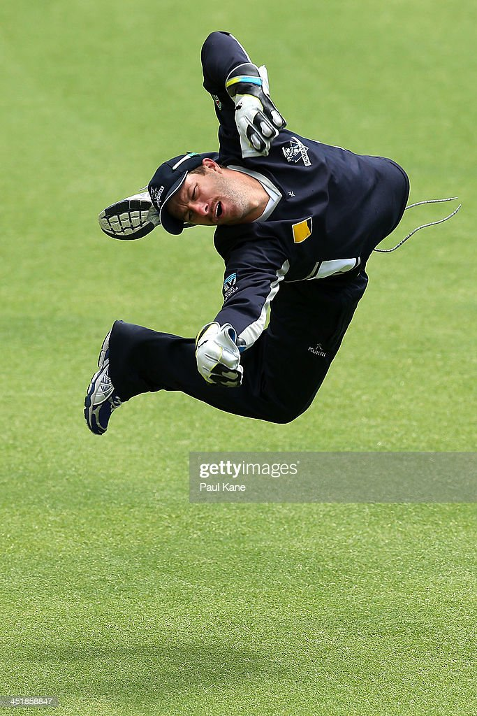 <a gi-track='captionPersonalityLinkClicked' href=/galleries/search?phrase=Matthew+Wade&family=editorial&specificpeople=724041 ng-click='$event.stopPropagation()'>Matthew Wade</a> of the Bushrangers practices his keeping after play on day four of the Sheffield Shield match between the Western Australia Warriors and the Victoria Bushrangers at the WACA on November 25, 2013 in Perth, Australia.