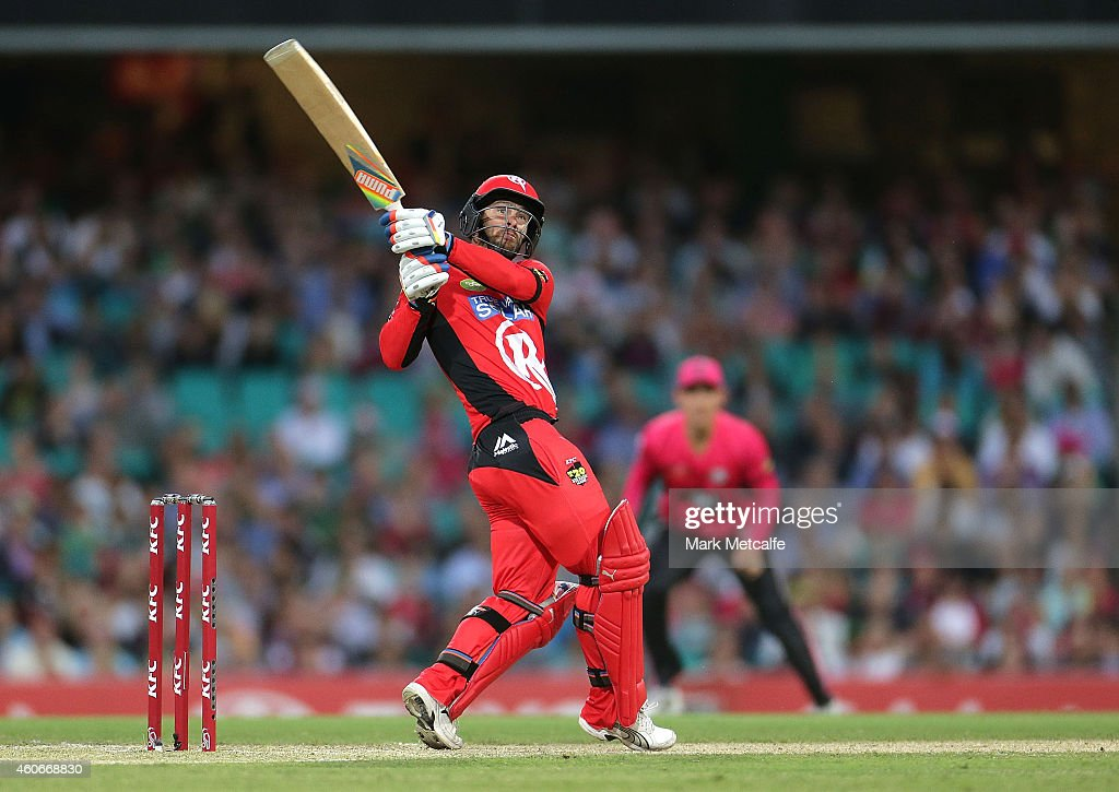 <a gi-track='captionPersonalityLinkClicked' href=/galleries/search?phrase=Matthew+Wade&family=editorial&specificpeople=724041 ng-click='$event.stopPropagation()'>Matthew Wade</a> of the Renegades hits a six during the Big Bash League match between the Sydney Sixers and Melbourne Renegades at Sydney Cricket Ground on December 19, 2014 in Sydney, Australia.