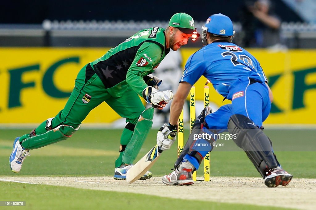 <a gi-track='captionPersonalityLinkClicked' href=/galleries/search?phrase=Matthew+Wade&family=editorial&specificpeople=724041 ng-click='$event.stopPropagation()'>Matthew Wade</a> of the Stars stumps Michael Nesser of the Strikers during the Big Bash League match between the Melbourne Stars and the Adelaide Strikers at Melbourne Cricket Ground on January 9, 2014 in Melbourne, Australia.
