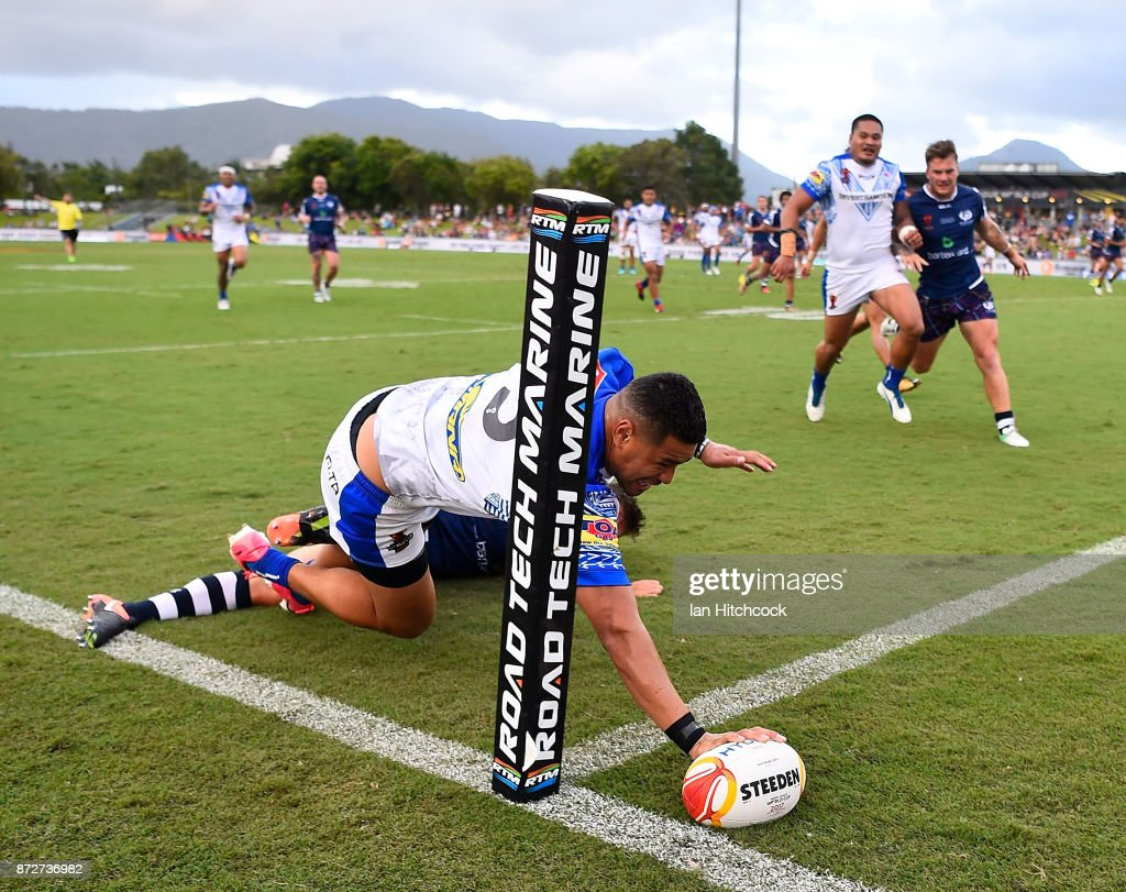 Matthew Wright of Samoa scores a try during the 2017 Rugby League World Cup match between Samoa and Scotland at Barlow Park on November 11, 2017 in Cairns, Australia.