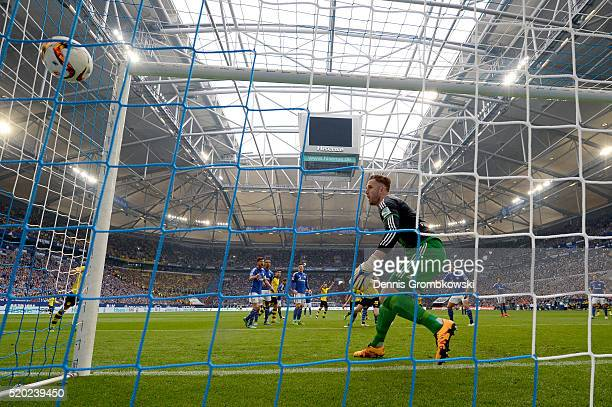 Matthias Ginter of Borussia Dortmund scores his team's second goal during the Bundesliga match between FC Schalke 04 and Borussia Dortmund at...