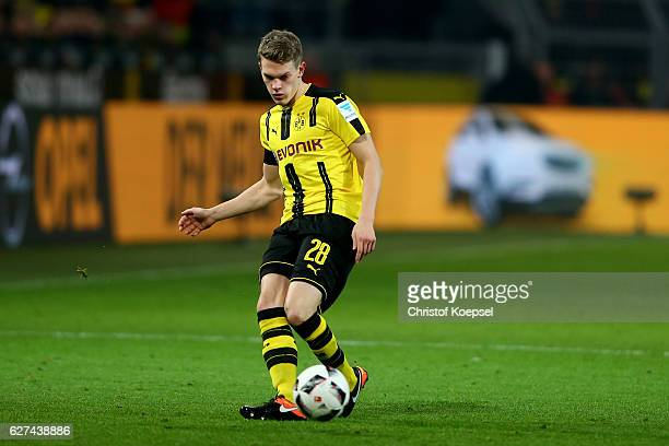 Matthias Ginter of Dortmund runs with the ball during the Bundesliga match between Borussia Dortmund and Borussia Moenchengladbach at Signal Iduna...