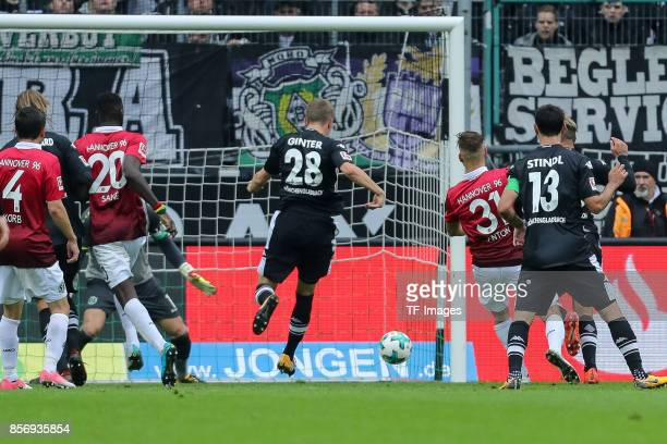 Matthias Ginter of Moenchengladbach scores a goal during the Bundesliga match between Borussia Moenchengladbach and Hannover 96 at BorussiaPark on...