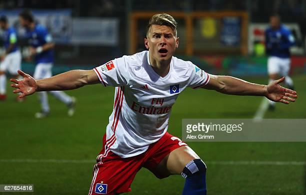 Matthias Ostrzolek of Hamburg reacts during the Bundesliga match between SV Darmstadt 98 and Hamburger SV at Stadion am Boellenfalltor on December 4...