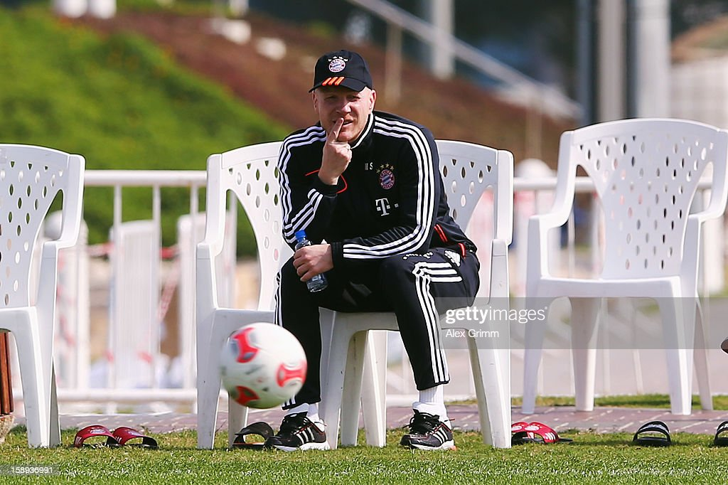 <a gi-track='captionPersonalityLinkClicked' href=/galleries/search?phrase=Matthias+Sammer&family=editorial&specificpeople=555228 ng-click='$event.stopPropagation()'>Matthias Sammer</a> attends a Bayern Muenchen training session at the ASPIRE Academy for Sports Excellence on January 4, 2013 in Doha, Qatar.