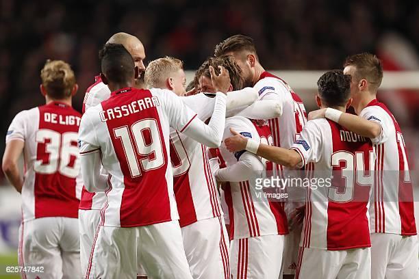 Matthijs de Ligt of Ajax Heiko Westermann of Ajax Mateo Cassierra of Ajax Donny van de Beek of Ajax Lasse Schone of Ajax Mitchell Dijks of Ajax...