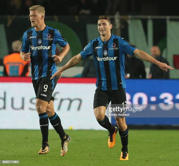 Mattia Caldara of Atalanta BC celebrates his goal during the Serie A match between Atalanta BC and Juventus at Stadio Atleti Azzurri d'Italia on...